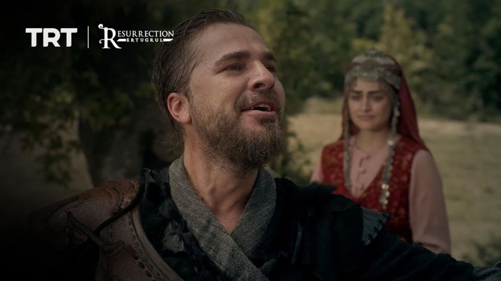 Halime tells Ertugrul she is pregnant with their first child, Gunduz.